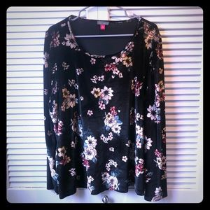 NWT 3X Vince Camuto floral velvet longsleeve top